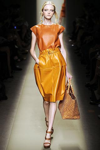 узкий приталенный блейзер платье-футляр платья с запахом тренч с поясом...