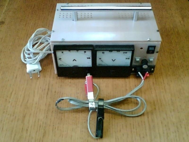 электрические схемы зарядных устройств для автомобильных аккумуляторов на тиристорах - Всемирная схемотехника.