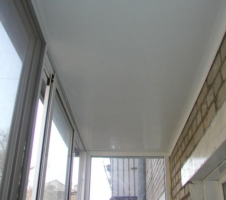 Как обшить потолок