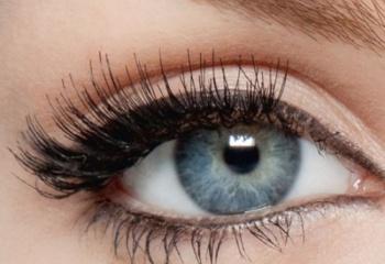 Как выделить глаза