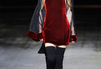 Вечерний выход: платья из бархата