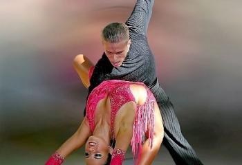 Танцы: общение, развлечение или лечение?