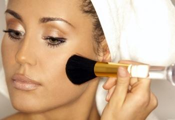 Как выбрать базу под макияж