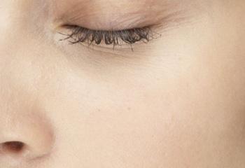 Как выбрать крем для области глаз