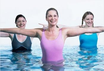 Аквааэробика: упражнения на выносливость, гибкость и координацию