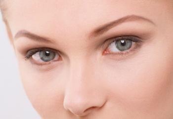 Как предотвратить появление морщин вокруг глаз