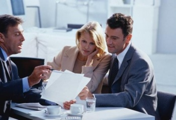 Главные правила безопасного флирта с начальником