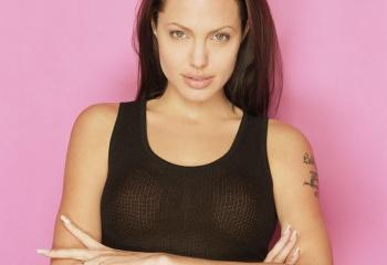 10 интересных фактов про Анджелину Джоли