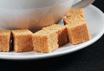 Коричневый сахар: вредно или полезно?