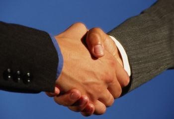 О чем расскажет рукопожатие