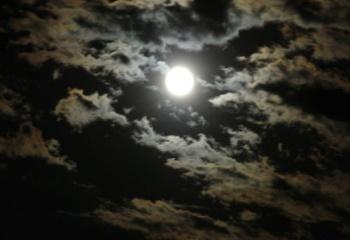 Влияние Луны на организм женщины