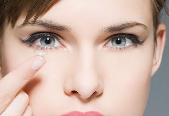 Как выбирать цветные контактные линзы