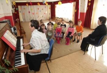 Музыкальные занятия в детском саду