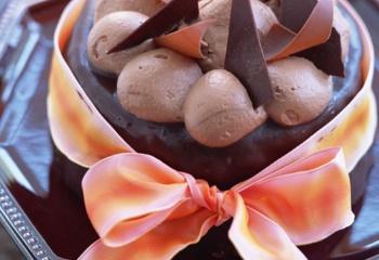 Творожный торт с шоколадом и карамелью