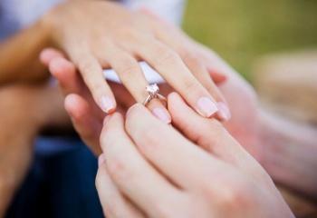 Какие кольца выбрать для помолвки