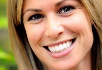 Правильный уход за зубами для девушек