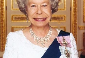 Елизавета II - настоящая королева