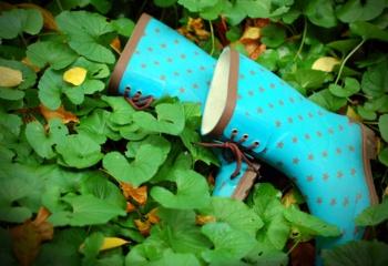Резиновые ботильоны: красиво и практично