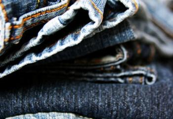 Как перекрасить старые джинсы