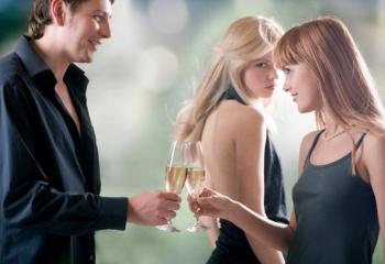 Вас соблазняет муж подруги: как избежать проблем
