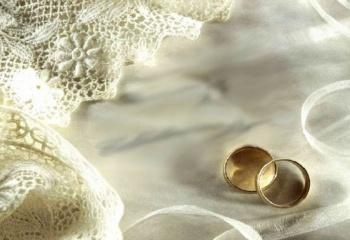 Что подарить на 1-ю годовщину свадьбы