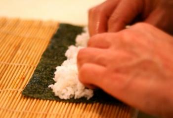 Как приготовить суши-роллы