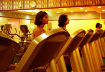 Фитнес для женщин: спорт, гимнастика и упражнения для безупречной фигуры