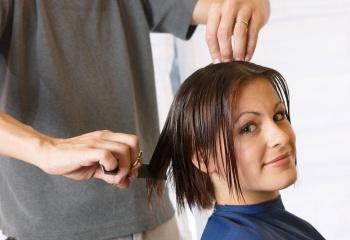 Когда стричь волосы: народные приметы
