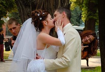 Учимся правильно целоваться в разных ситуациях