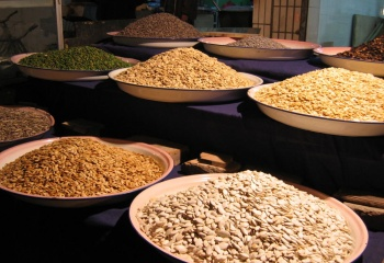 Орехи и семечки: полезные свойства, состав, калорийность