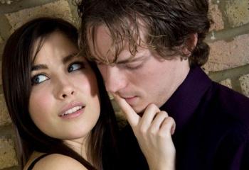 Что толкает женщин на измену? Мнение специалистов