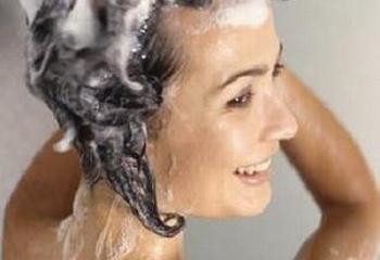 Как мыть жирные волосы