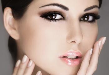Тонкости нанесения макияжа в коричневых тонах