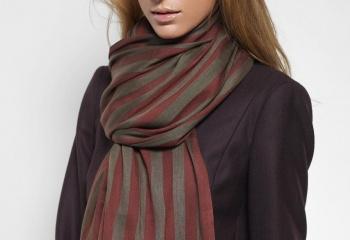 Платки, шали, шарфы: как правильно использовать аксессуары