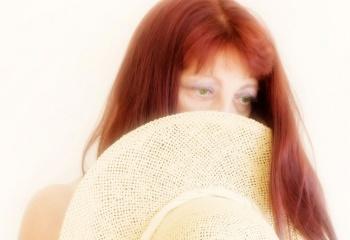 Красные глаза: причины, лечение