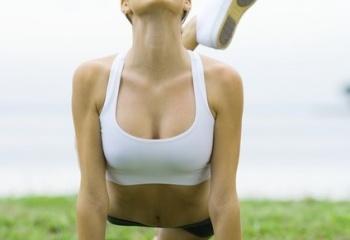 Шесть упражнений для красивой груди
