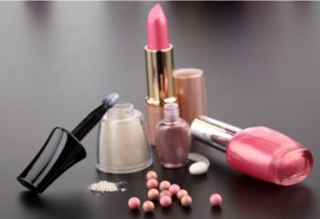 9 аксессуаров в вашей косметичке, гарантирующих успех