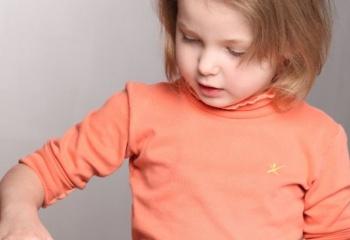 Идеи для детского творчества: рисуем манной крупой