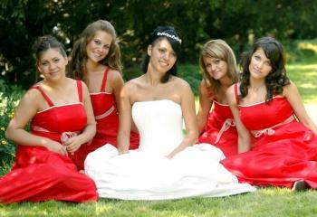 Платье подружки невесты: не затмевать, а дополнять