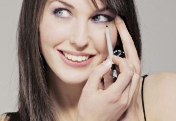 Психология макияжа: почему женщины любят краситься