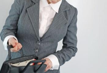Как правильно подобрать сумку деловой женщине