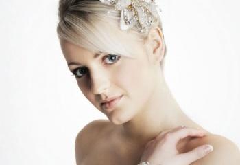 Выбор украшения для свадебной прически
