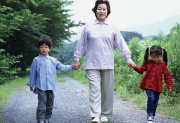 Психология общения с детьми и стариками