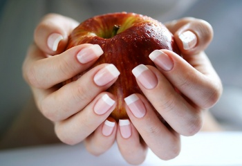 Запечатывание ногтей воском