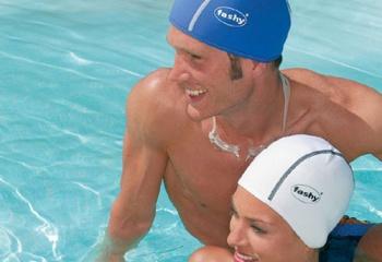 Как подобрать купальную шапочку