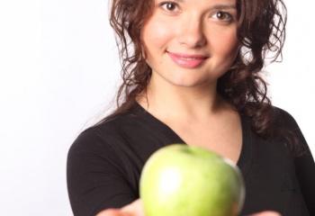 Яблочная диета для кожи лица