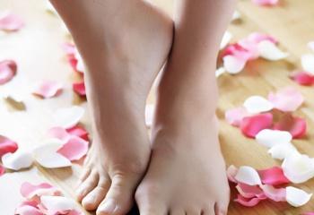 Как добиться красоты кожи ног
