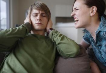 Как бороться с предменструальным синдромом