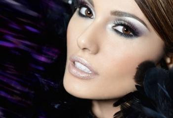 Новогодний макияж: искрящиеся тени