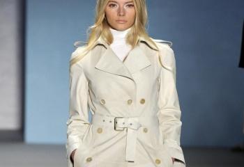 Плащи 2011-2012 для полных женщин и другую верхнюю одежду вы можете найти на нашем